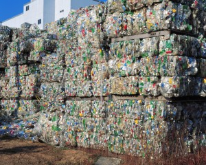 Вторсырье - пластиковые отходы